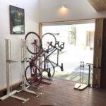 サイクルロッカー室内